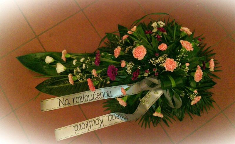 Pohřební služba Třebíč kytice-nizka-1