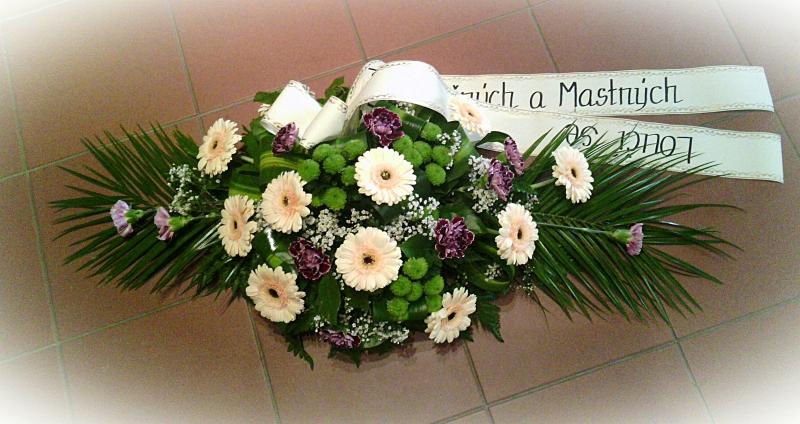 Pohřební služba Třebíč kytice-nizka-11