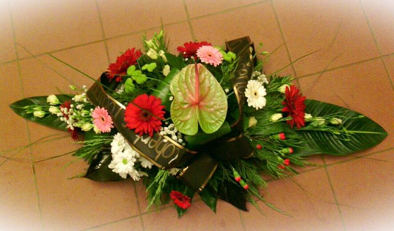 Pohřební služba Třebíč kytice-nizka-2