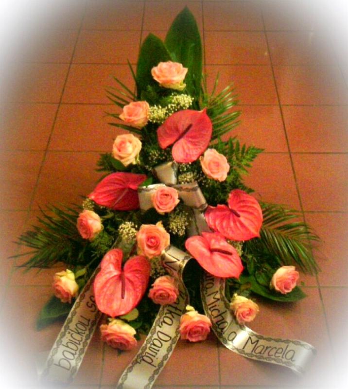 Pohřební služba Třebíč kytice-vysoka-1