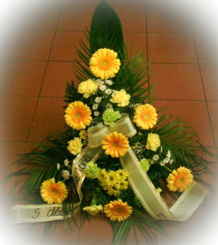 Pohřební služba Třebíč kytice-vysoka-2