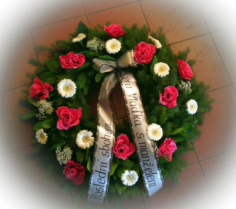 Pohřební služba Třebíč venec-umelorostly-1